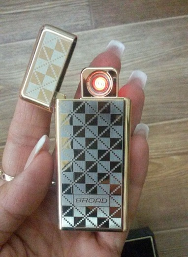 Электронная зажигалка
