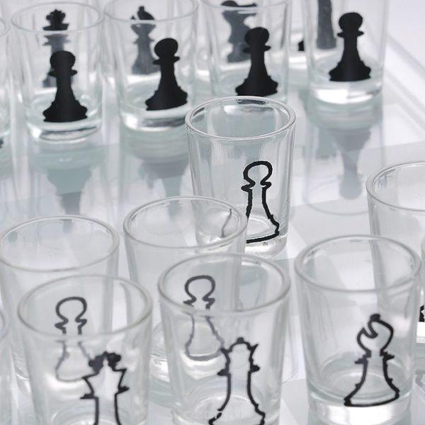Шахматы рюмки