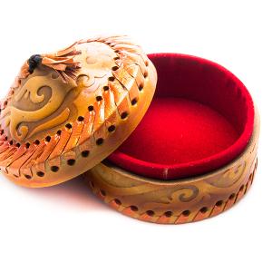 Шкатулка в казахском национальном стиле
