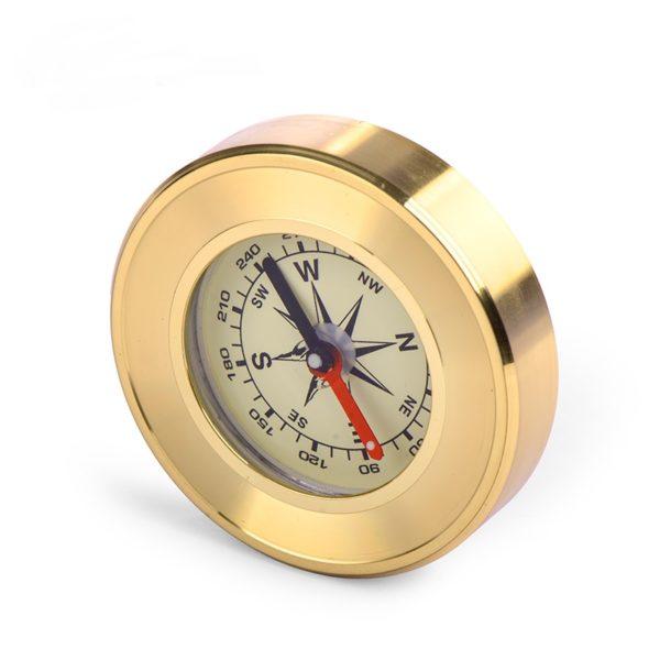 Туристический золотой компас
