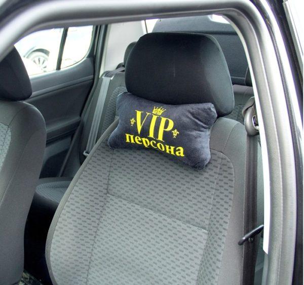 Подушка в авто для шеи