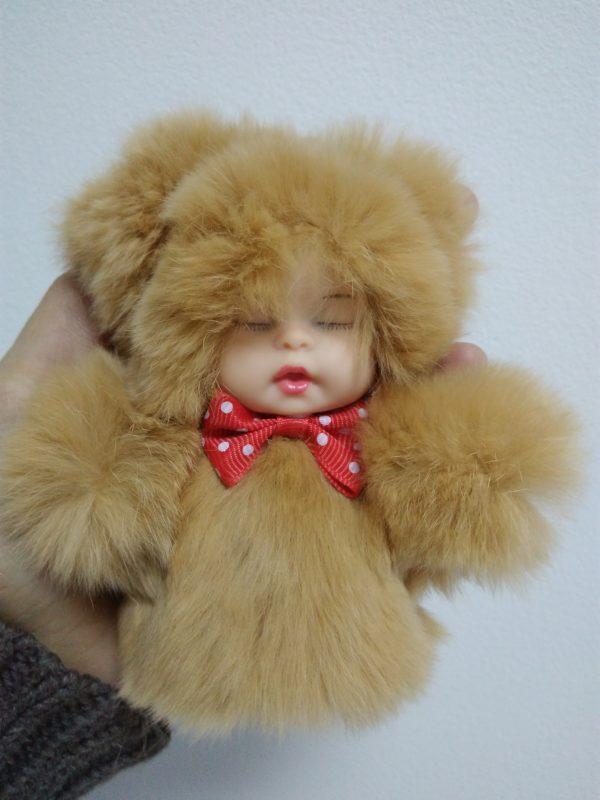 Меховая игрушка брелок малыш