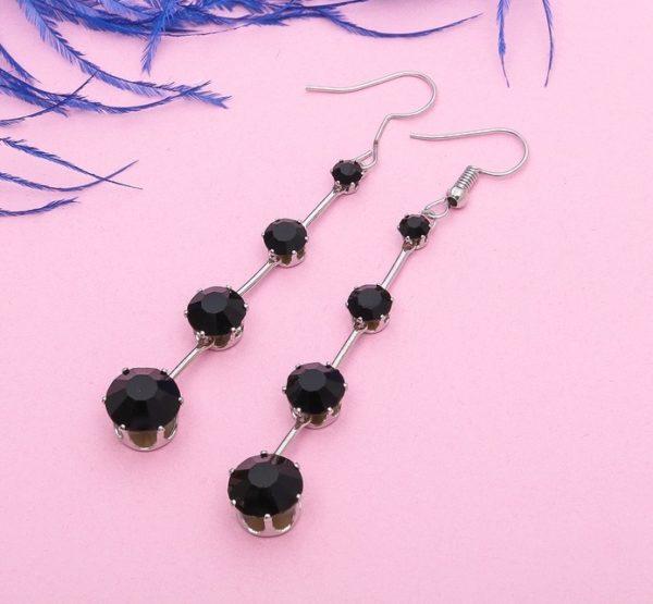 Серьги черные камни