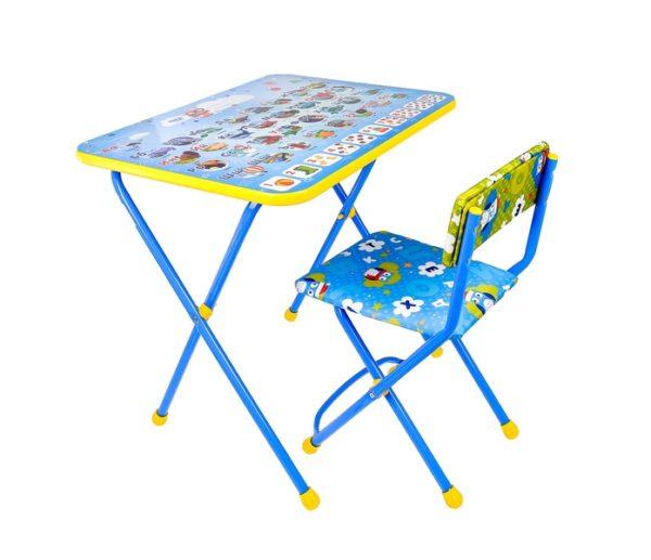 детский стул и стол