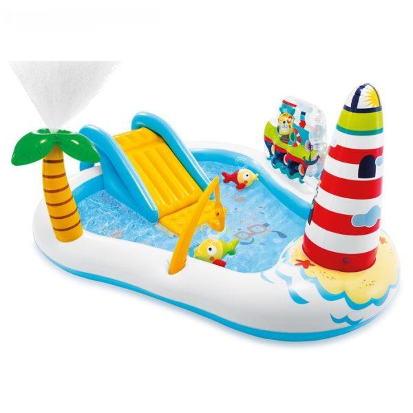 Интересный надувной бассейн для детей